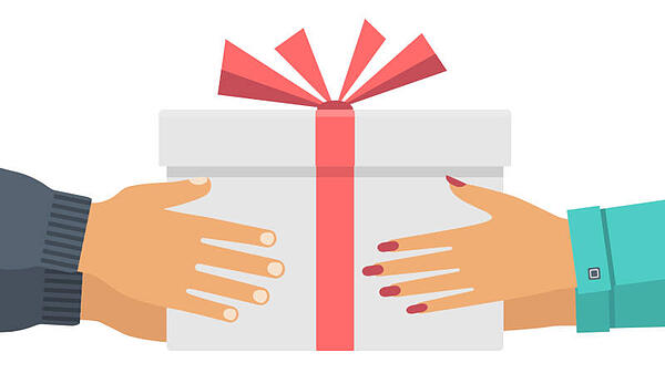 middle-donor-program-giving-gift